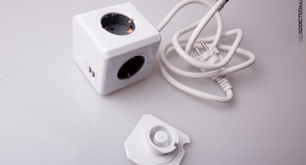 Schreibtisch unter Strom – allocacoc PowerCube