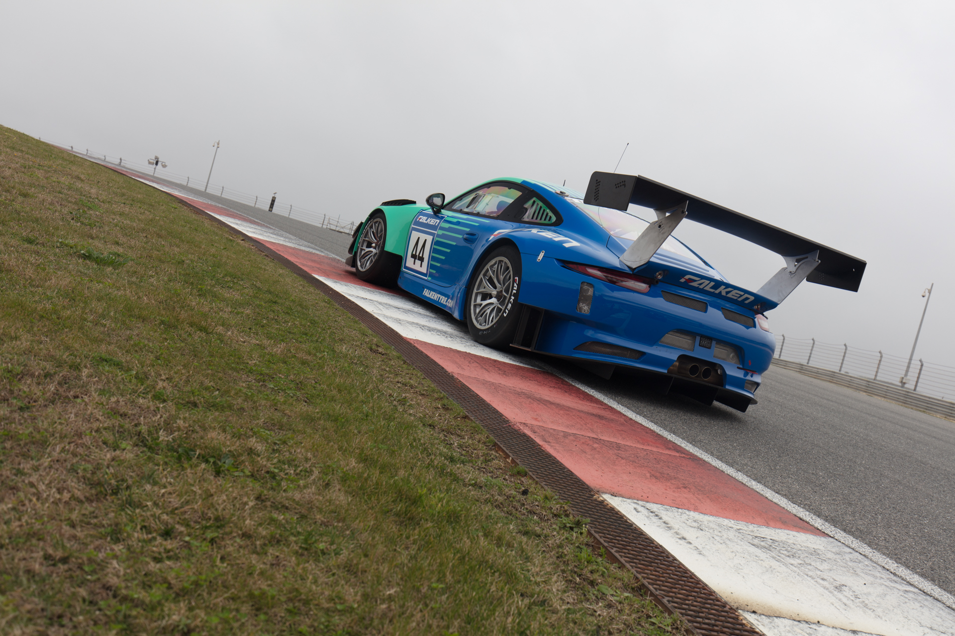 Before-Falken Porsche 991 GT3 R